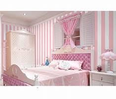 Ideas para decorar la pared detrás de la cama.