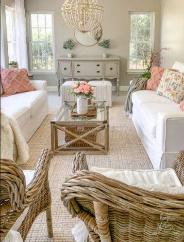 Salas con muebles blancos siempre actuales