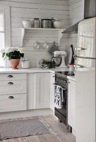 Cocinas blancas pequeñas y encantadoras
