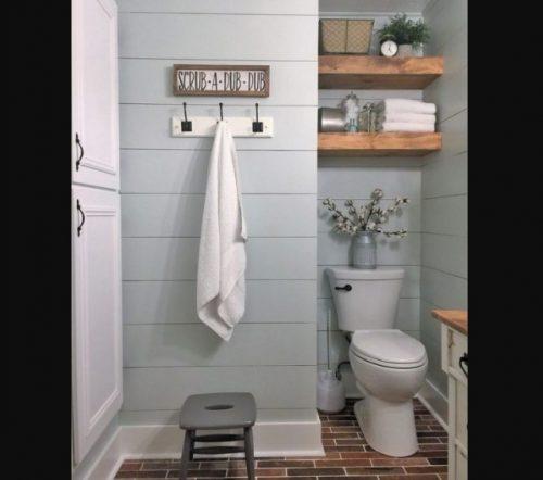 Reglas necesarias para baños pequeños  Existen varias ideas prácticas y sencillas para utilizar a la hora de decorar tu baño pequeño.